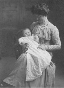 May Maxwell and baby Mary, 1910